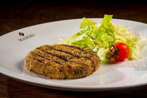 hamburguer de quinoa - Créditos Nilo Biazzetto
